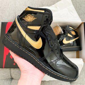 🖤💛 Nike Air Jordan 1 high OG black gold shoes